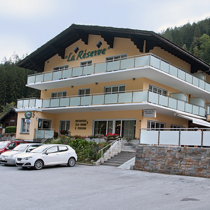 Hotel la r serve hotel restaurant und pizzeria for Hotel a reserver